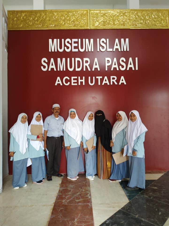Kegiatan Belajar Lapangan Di Museum Samudera Pasai
